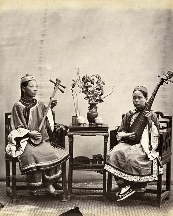Foochow Singing Women, c. 1870, albumen print. AC4-59 © Oldchinaphotography.com
