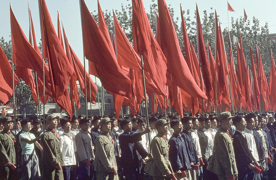 October 1, 1966. Demonstration for the National Holiday on Chang'an avenue. © Solange Brand.