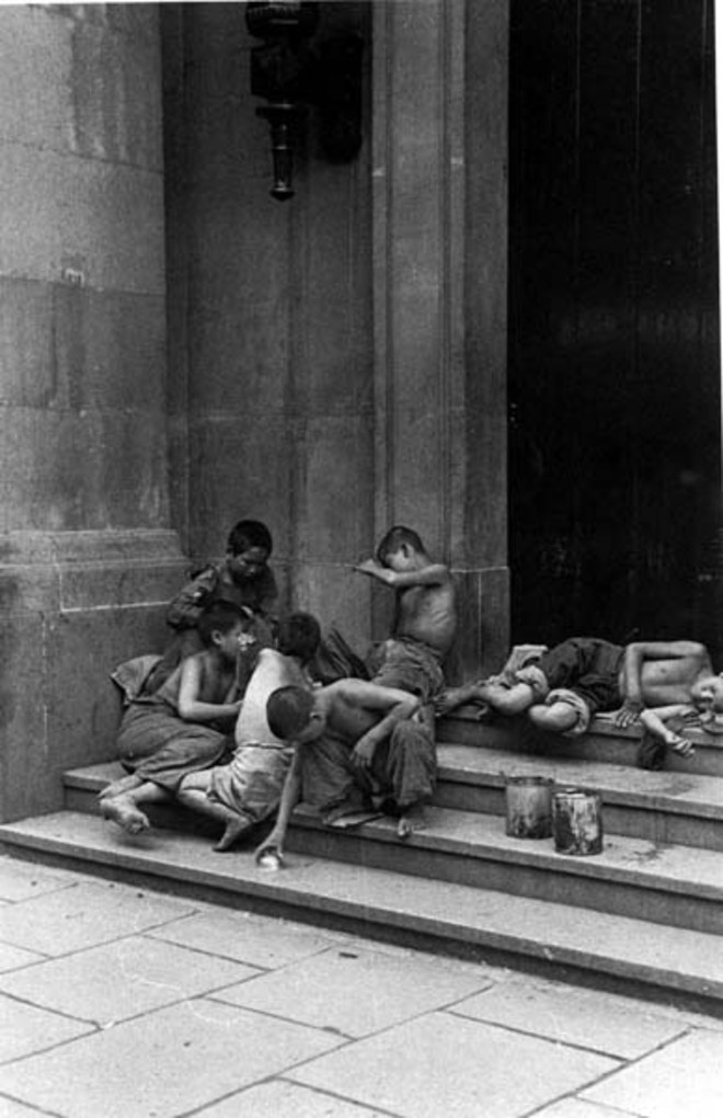 Child beggars, 1949. Image courtesy of the Institut d'Asie Orientale and Virtual Shanghai