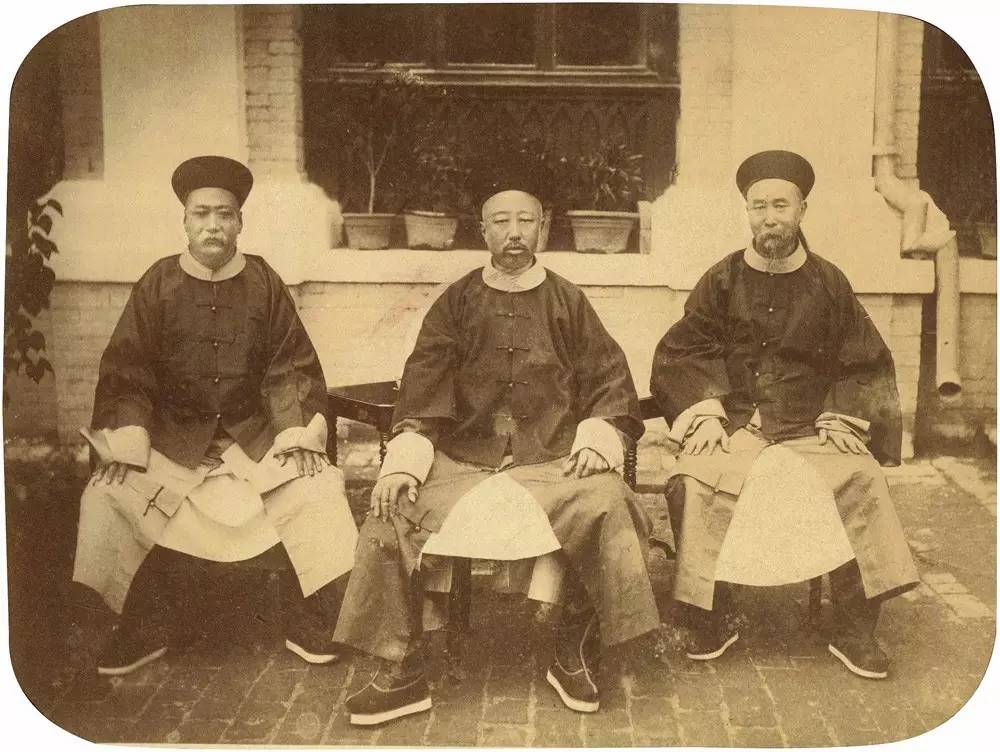liang-shitai-1870s-group-portrait-photographyofchina.jpeg