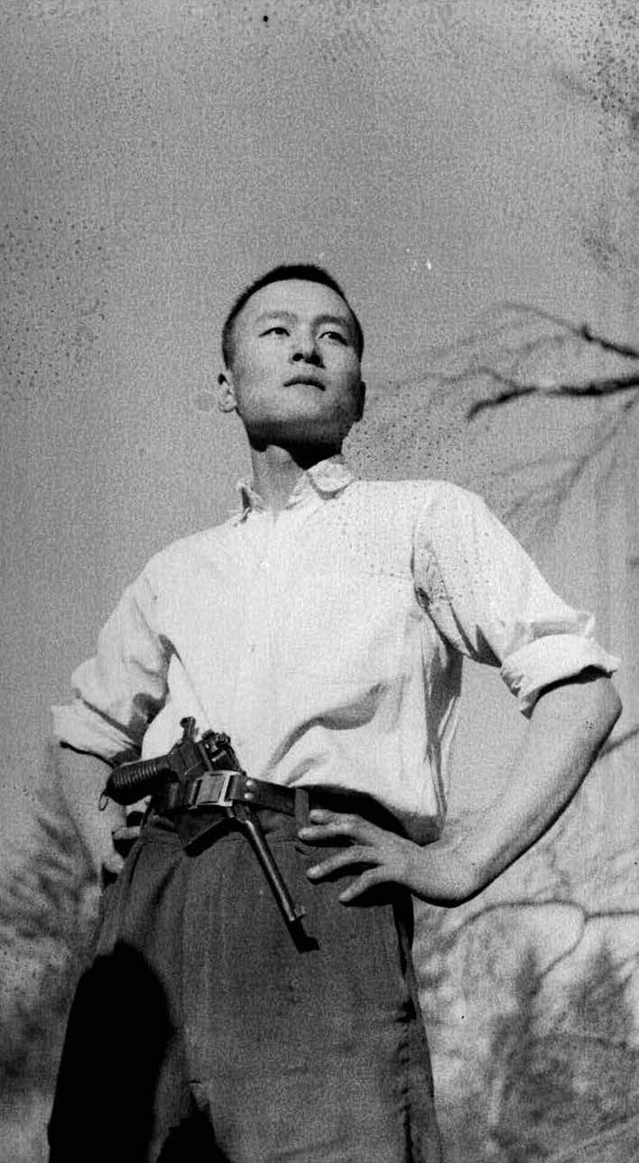 wang-qiuhang-cultural-revolution-selfies-1966-1976-photography-of-china-8.jpg