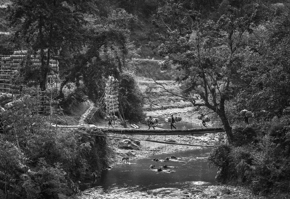 kuang-huimin-ancient-kam-rice-of-millennium-photography-of-china-(13).jpg