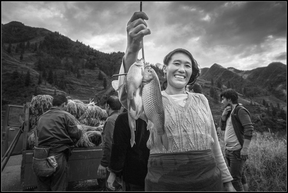 kuang-huimin-ancient-kam-rice-of-millennium-photography-of-china-(15).jpg