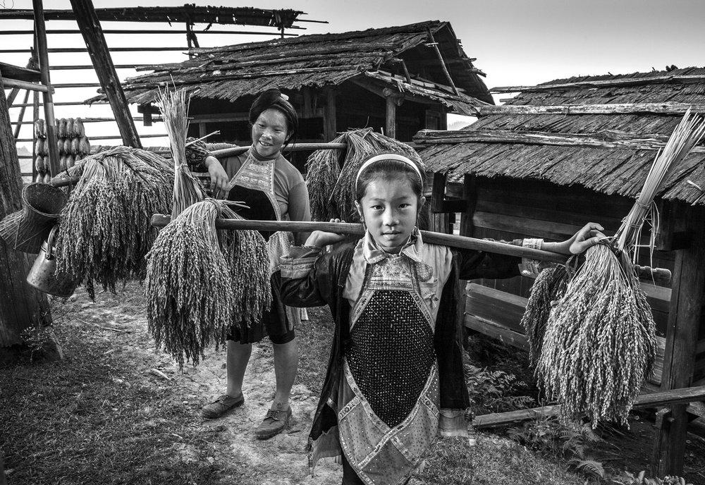kuang-huimin-ancient-kam-rice-of-millennium-photography-of-china-(16).jpg