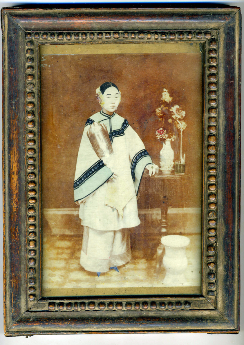 wang-qiuhang-collecting-women-nineteenth-twentieth-centuries-photography-of-china-002.jpg
