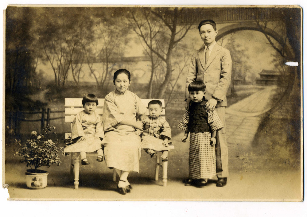 wang-qiuhang-collecting-women-nineteenth-twentieth-centuries-photography-of-china-0031.jpg
