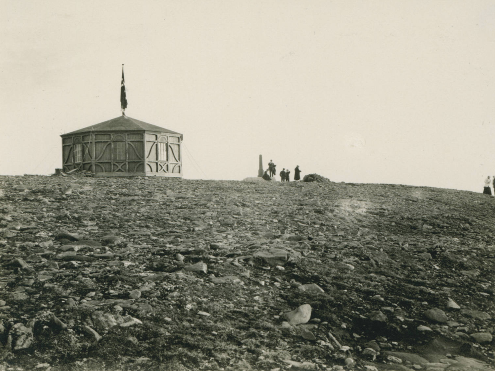 Pavilion at North Cape, 1909-07