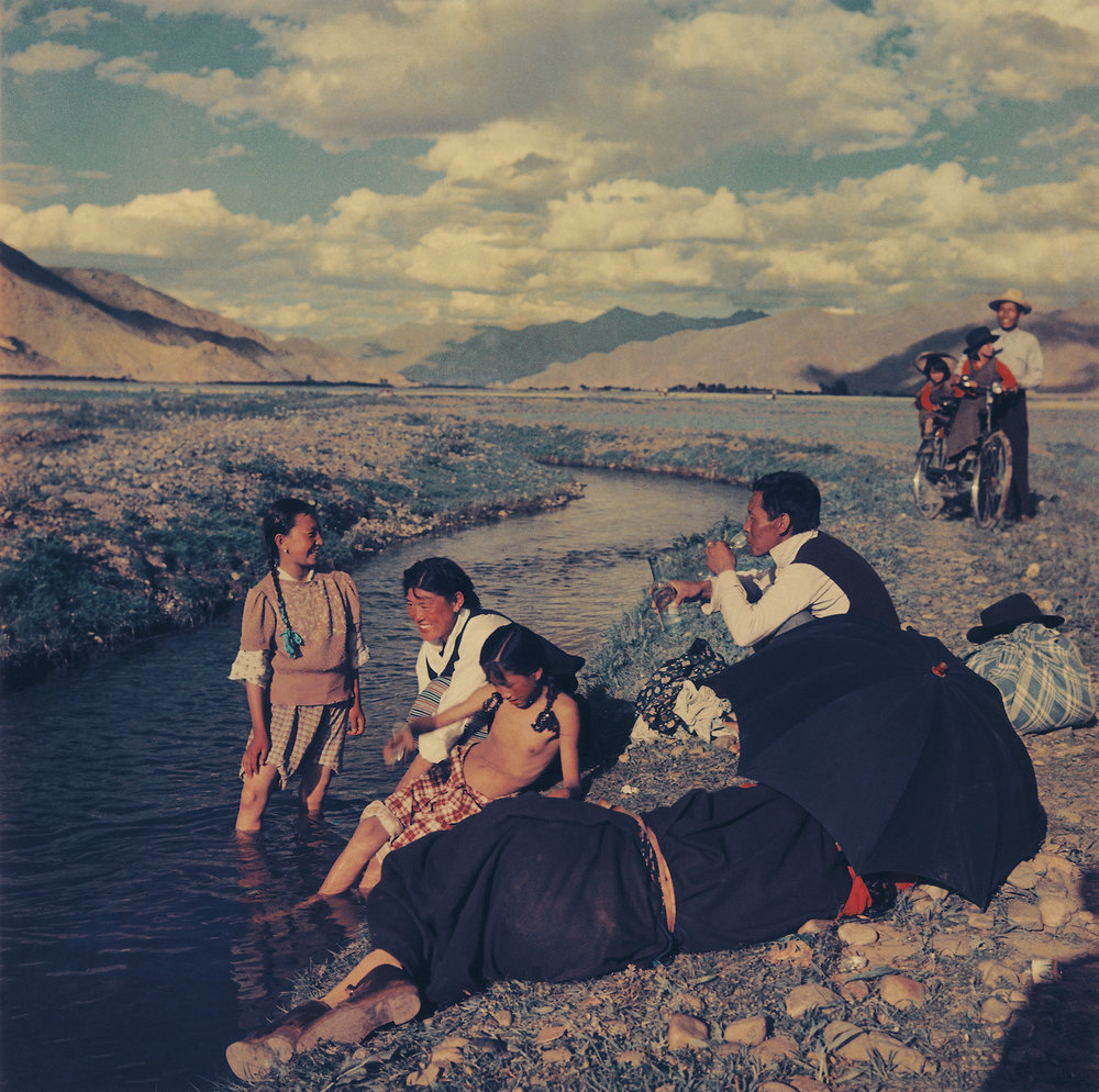 Lan Zhigui, Bathing Festival in the Suburb of Lhasa, 1956, Darkroom developed, salt paper print, limited print 6/29, 2008, 70x70 cm, courtesy of Huang Jianpeng Gallery 黄建鹏画廊