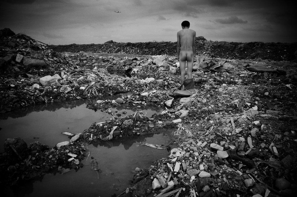 A Weak Road n°78 - 2012, 40 x 60 cm © Liu Tao