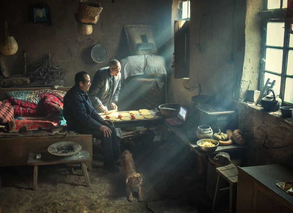 'Earth Kiln' by Li Huaifeng, China. People, third prize singles /  Image Courtesy of World Press Photo