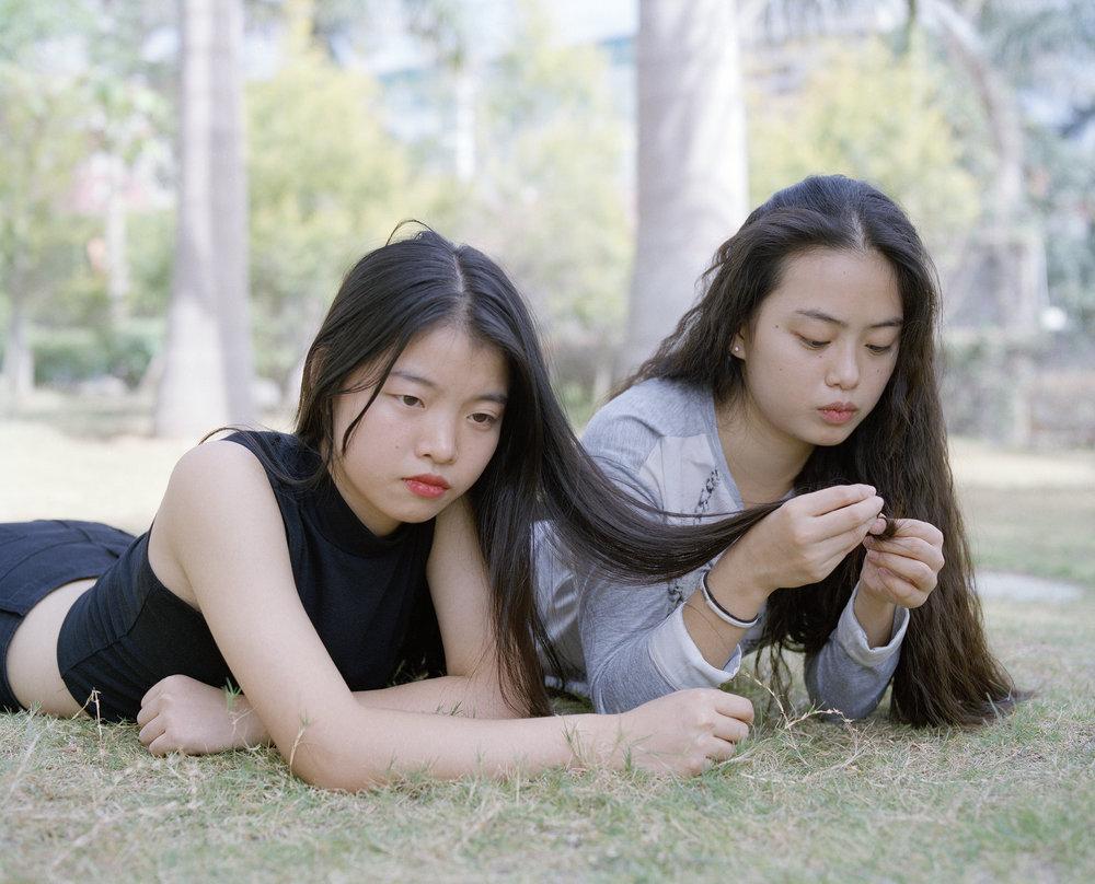09 sarahmeiherman - Yafang and Linli, October 2014-photography-of-china.jpg