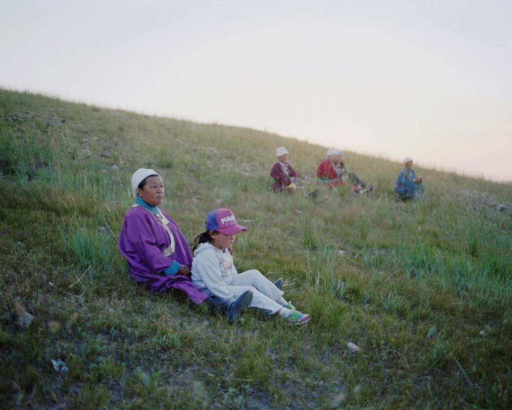 Mongolian women and a girl, Inner Mongolia,2010-li-wei-photography-of-china.jpg
