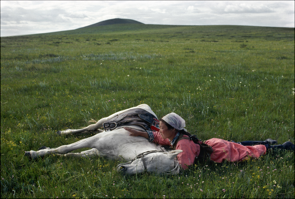 Eve Arnold, 'Horse training for the militia', Inner Mongolia, 1979. © Eve Arnold/Magnum Photos