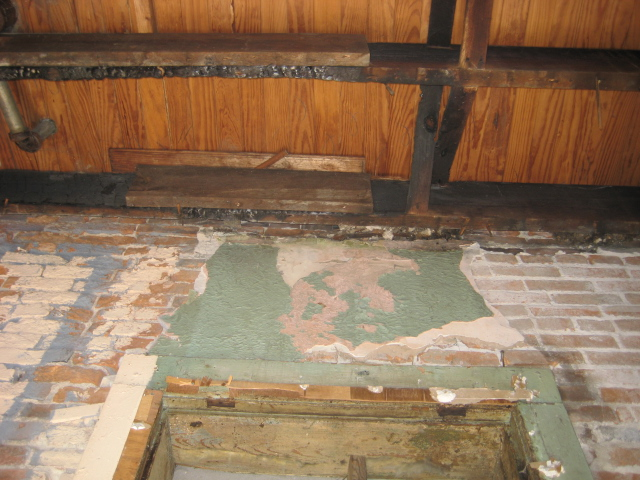 Floor Joists and Brick.JPG
