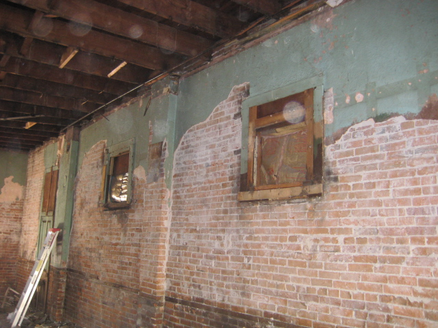 Main Level Brick 3.JPG