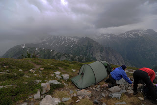 Broken Bones and Thunderstorms - A Weekend in the Cascades