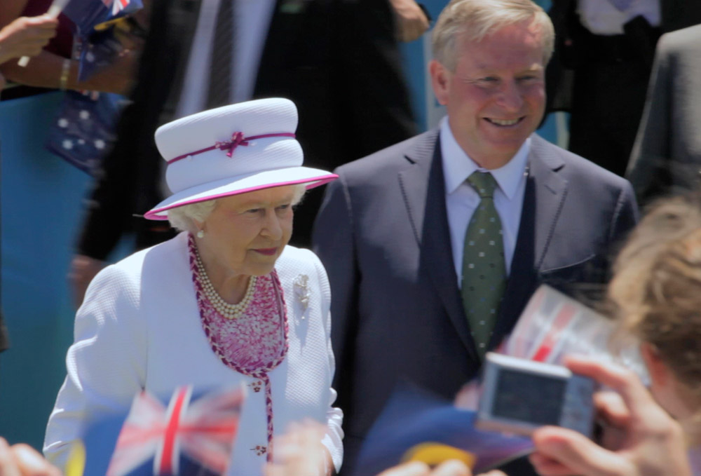 2Queen and Governor.jpg