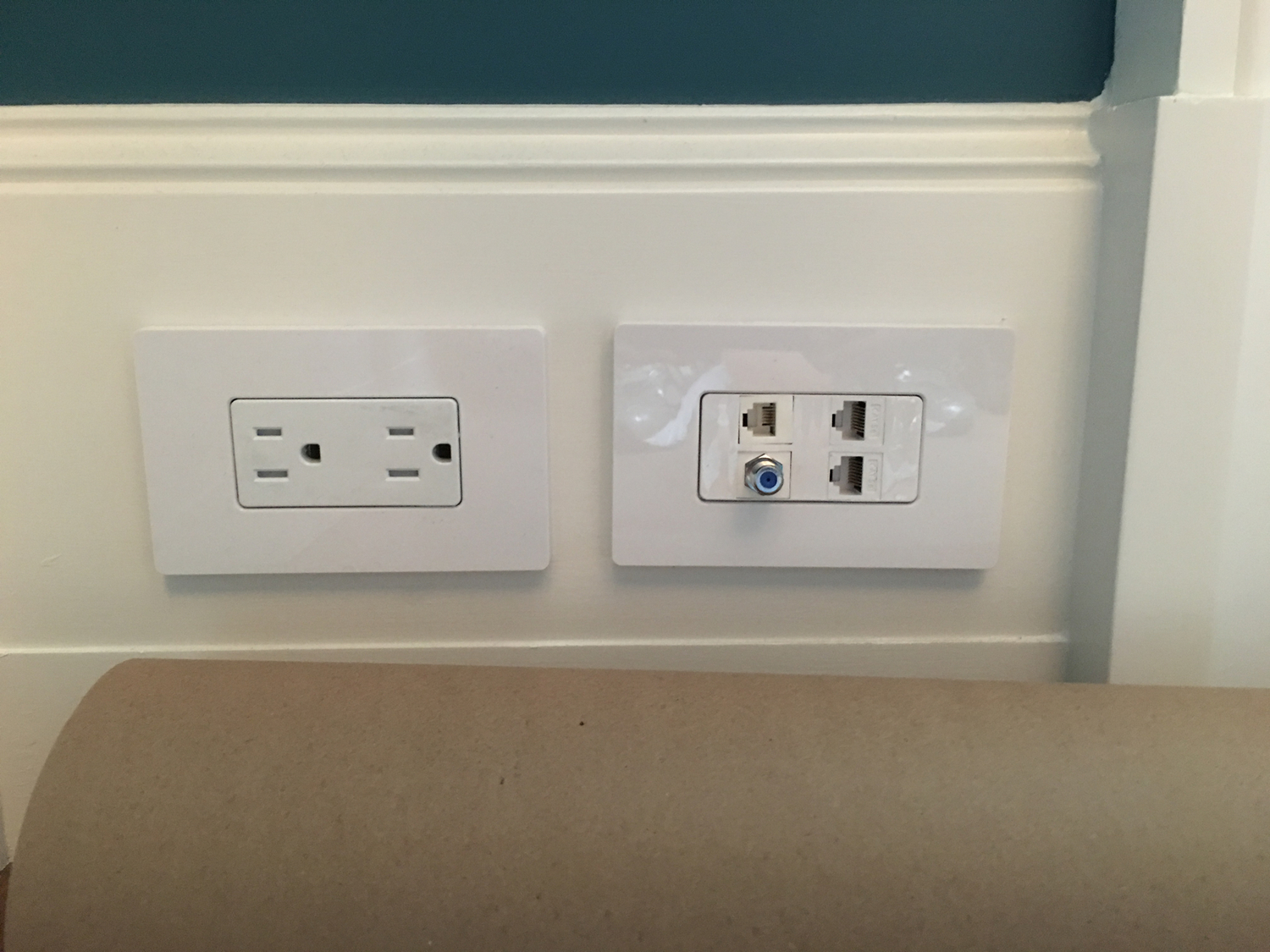 See Our Work Techdad Nyc Tech Support It Av Wiring Wall Plates All Wires Concealed In And Connected To Rack Closet