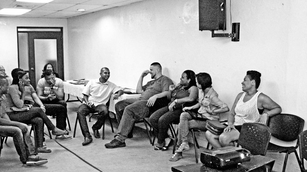 Facilitating dialogue around photography as a tool for community building in Dominican Republic as a Hard Knock Leader