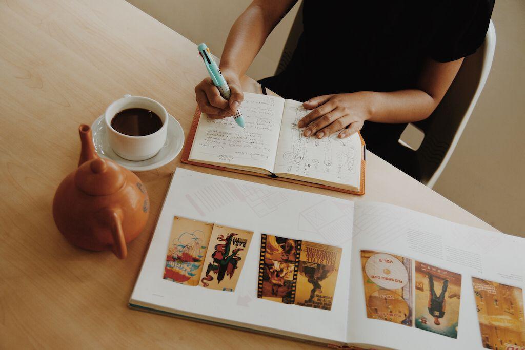 Contoh Makalah Mahasiswa Yang Benar Beserta Pedoman Pembuatan Makalah Universitas Ciputra Entrepreneurship Online