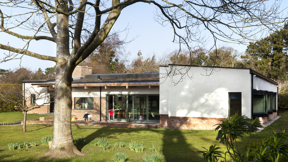 FrontView_MAIN_RoseGardenHouse_TrionaStackArchitects.jpg