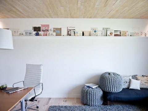 shelf1-480x360.jpg