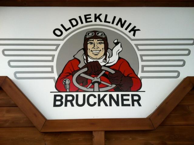 Chromjuwelen_Motor_Oil_Bruckner_004.jpg