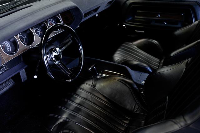 1973_Dodge_Challenger_Style_Deluxe_01.jpg