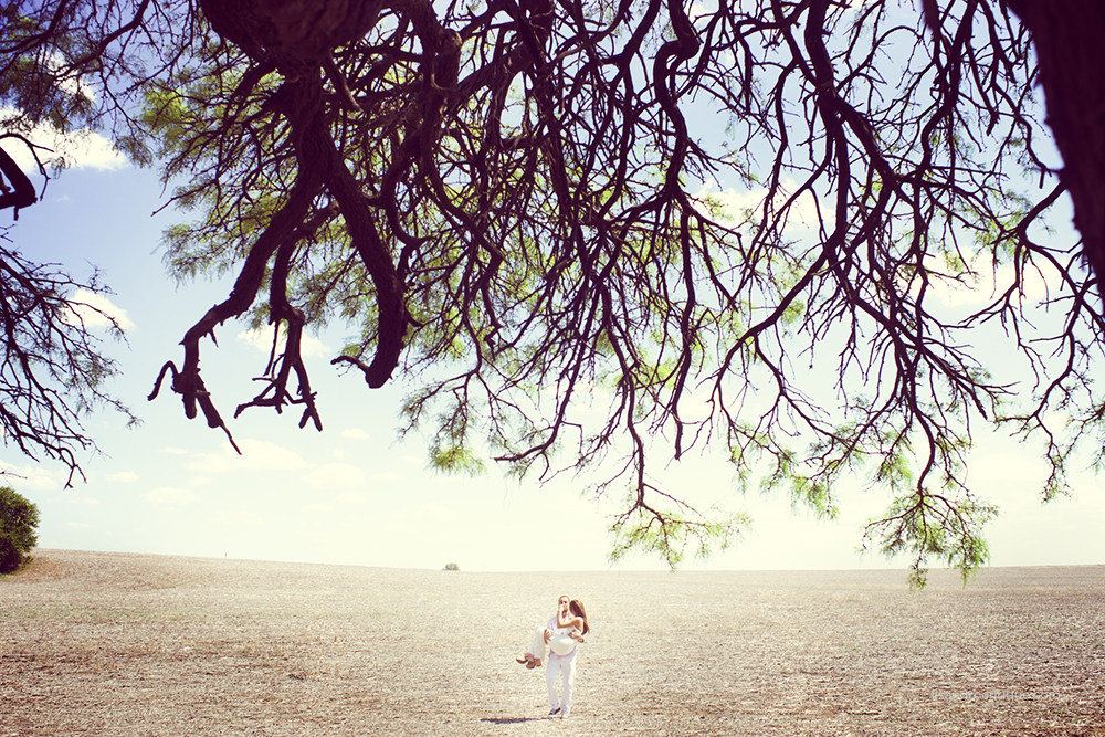 Sesión de Fotos de Amor de Mariana y Pablo, San Francisco, Córdoba. Fotógrafo de Bodas www.lisandroenrique.com