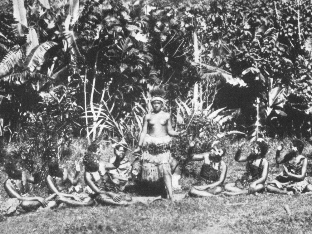 """În """"Ozeanische Affekte"""" Thomas Schwartz descrie unele aspecte ale operării conolonizărilor germane sub un drapel fals care se ascundea după o anumită""""valoare a afecțiunii"""" descris ca """"un loc sub soare"""", prin """"romantizarea insulelor tropicale"""" și ale coloniilor:""""folosind efectul libidinos al fanteziilor romantizate cu scopul de a se expanda economic"""" (F.M.)."""