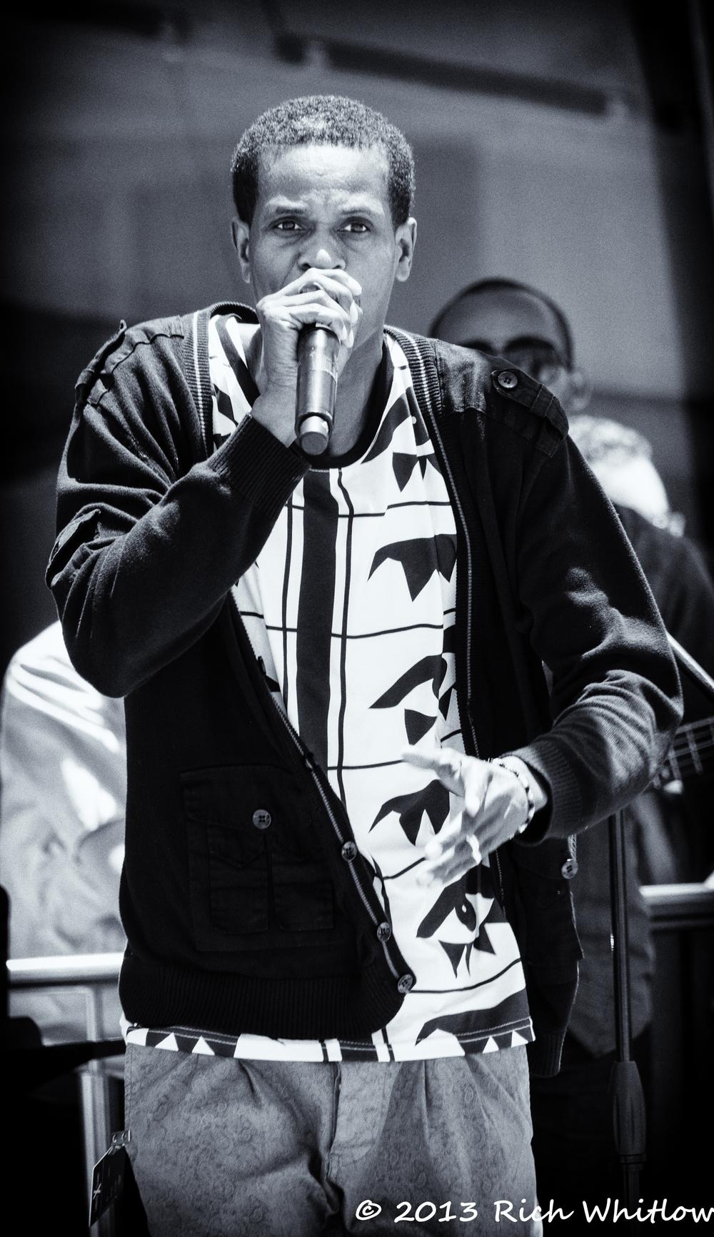 Cruise Singer/Rapper