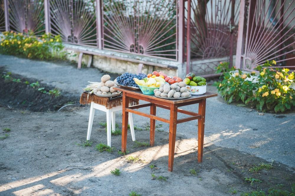 דוכן ירקות על הבוקר