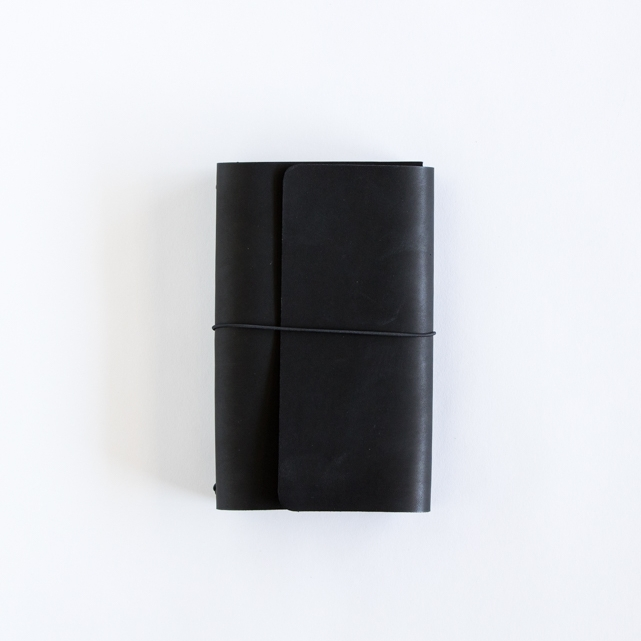 Black Bifold Fillion - $54.00