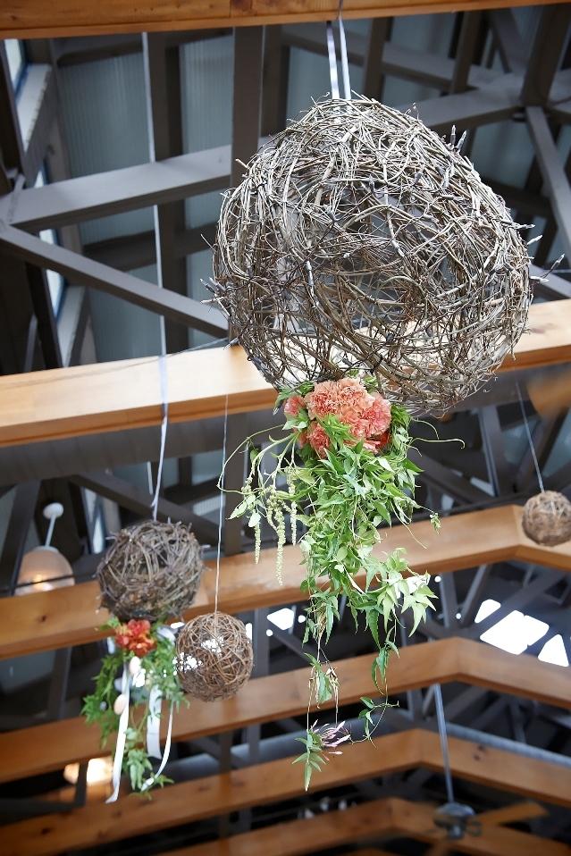 Hanging-flower-balls.jpg