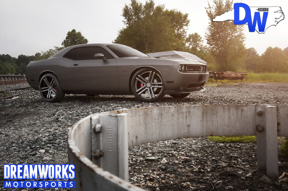 Kyle Wilber's 2012 Dodge Challenger with custom painted 24 Vellano VTH