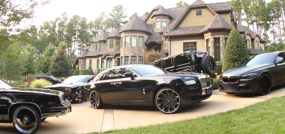 CAR TRANSPORTING If you are moving and need someone to tow your fleets of cars we offer auto moving/delivery services to fit your needs. We will pickup and deliver your vehicles anywhere in the continental U.S! We often move NBA and NFL athletes' vehicles during the offseason as pictured above. These cars just arrived from NYC!