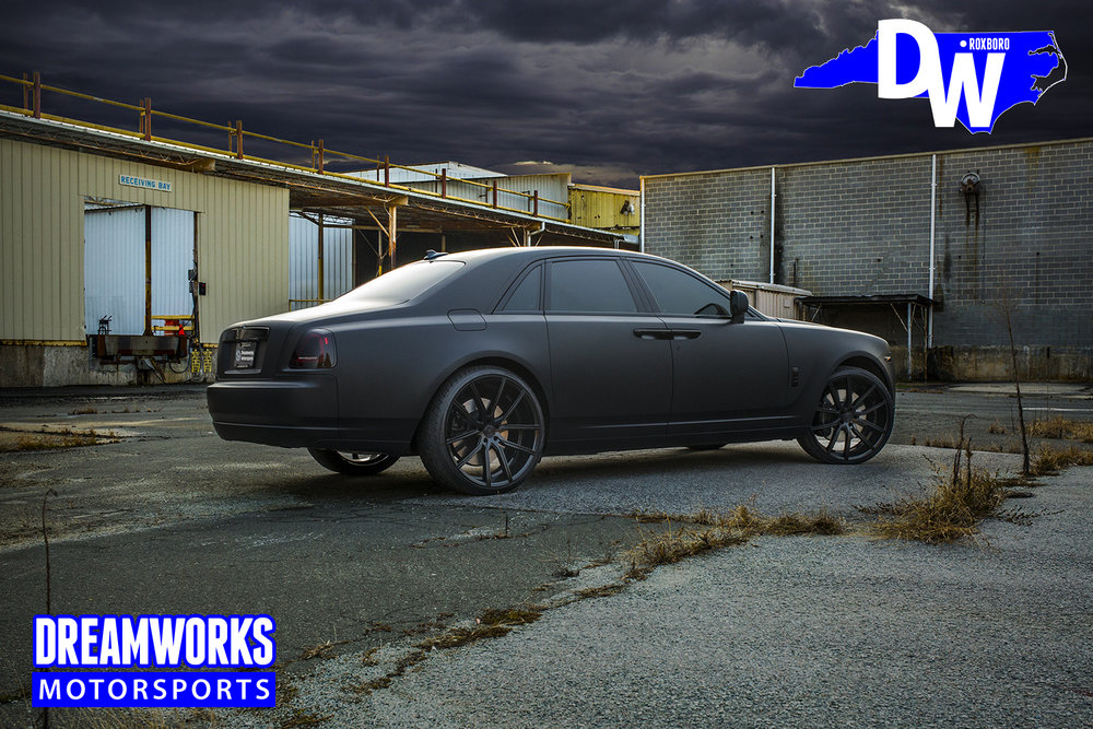 Matte-Black-Rolls-Royce-Ghost-for-Raymond-Felton-by-Dreamworks-Motorsports-3.jpg