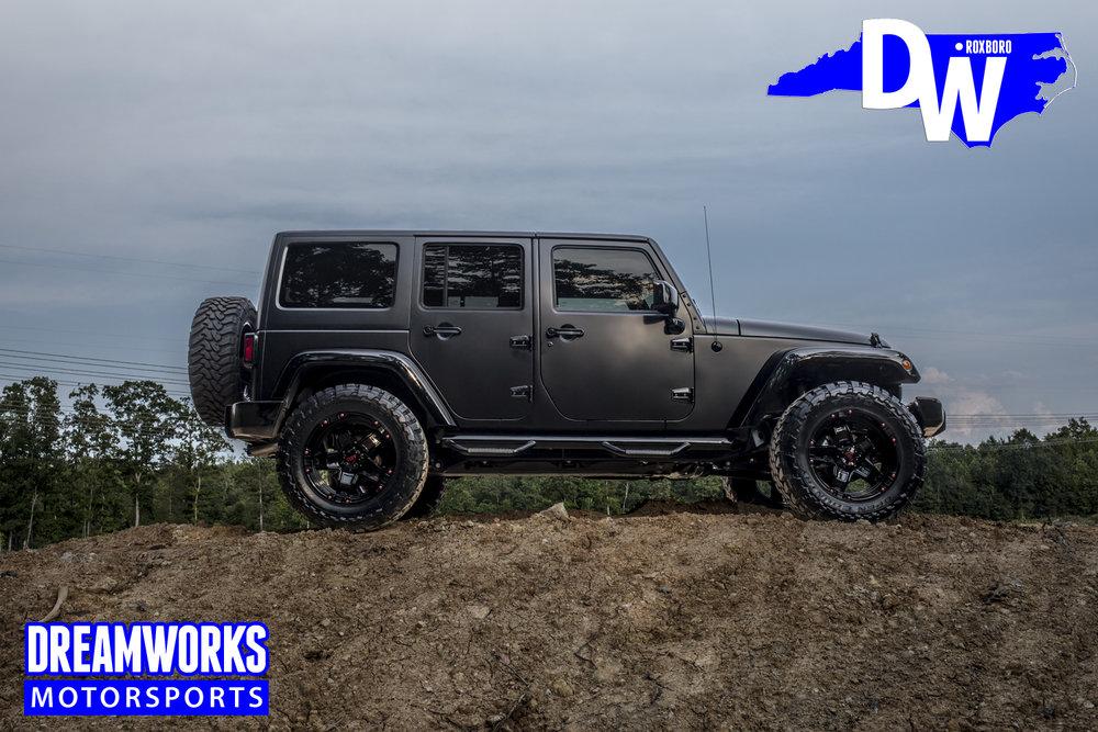 Gerald-Wallace-Black-Jeep-Wrangler-by-Dreamworks-Motorsports-11.jpg