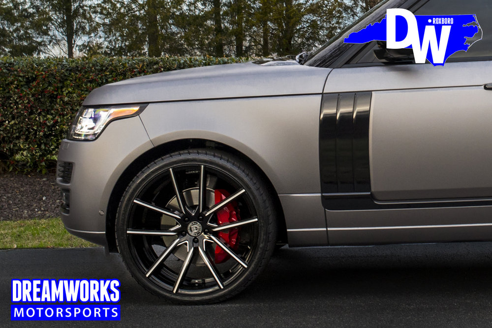 Justin-Thomas-PGA-Golfer-Range-Rover-Dreamworks-Motorsports-4.jpg