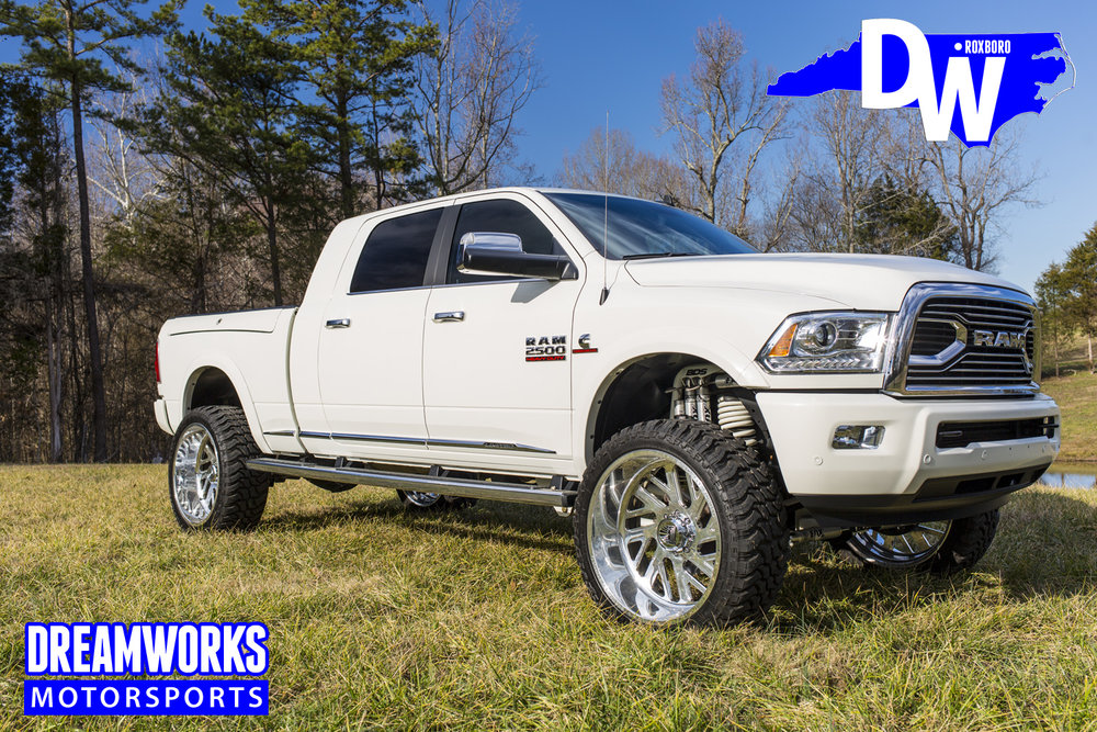 Dodge-Ram-2500-By-Dreamworks-Motorsports-7.jpg