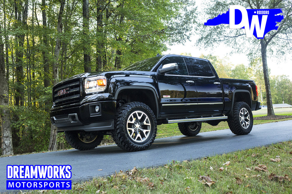 Black-Gmc-Sierra-by-Dreamworksmotorsports-5.jpg