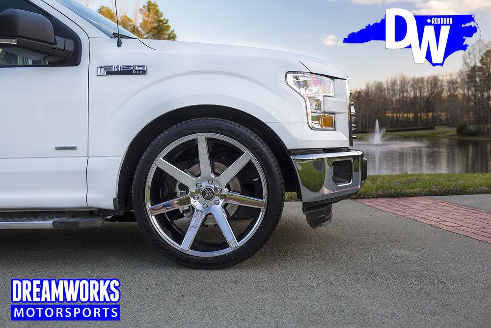 2017-lowered-Ford-F150-dreamworks-motorsports-8.jpg