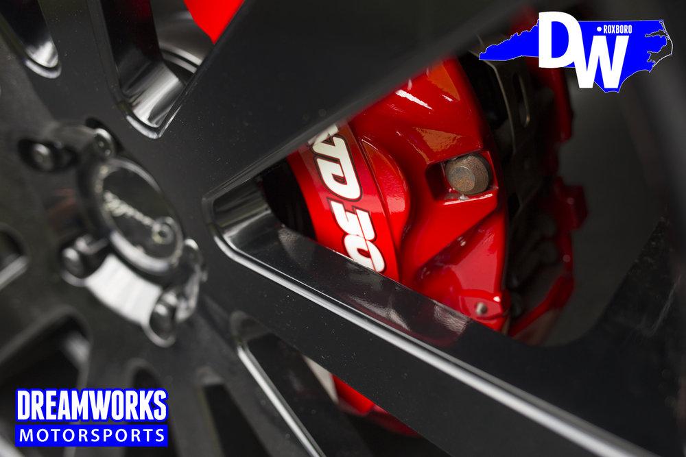 Troy_Daniels_Range_Rover_custom_painted_brakes_by_Dreamwroks_Motorsports.jpg