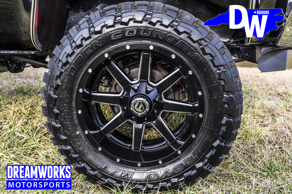 lifted-chevy-silverado-dreamworks-motorsports-north-carolina-custom-shop_32784491346_o.jpg