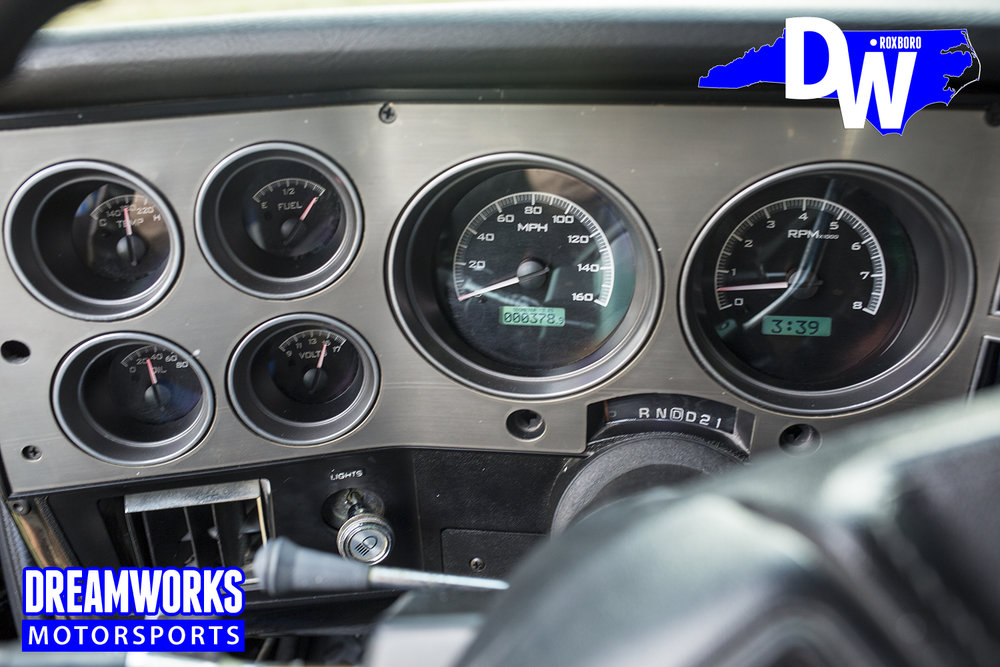 lifted-silverado-dash-dreamworks-motorsports-north-carolina-custom-shop_32784490716_o.jpg