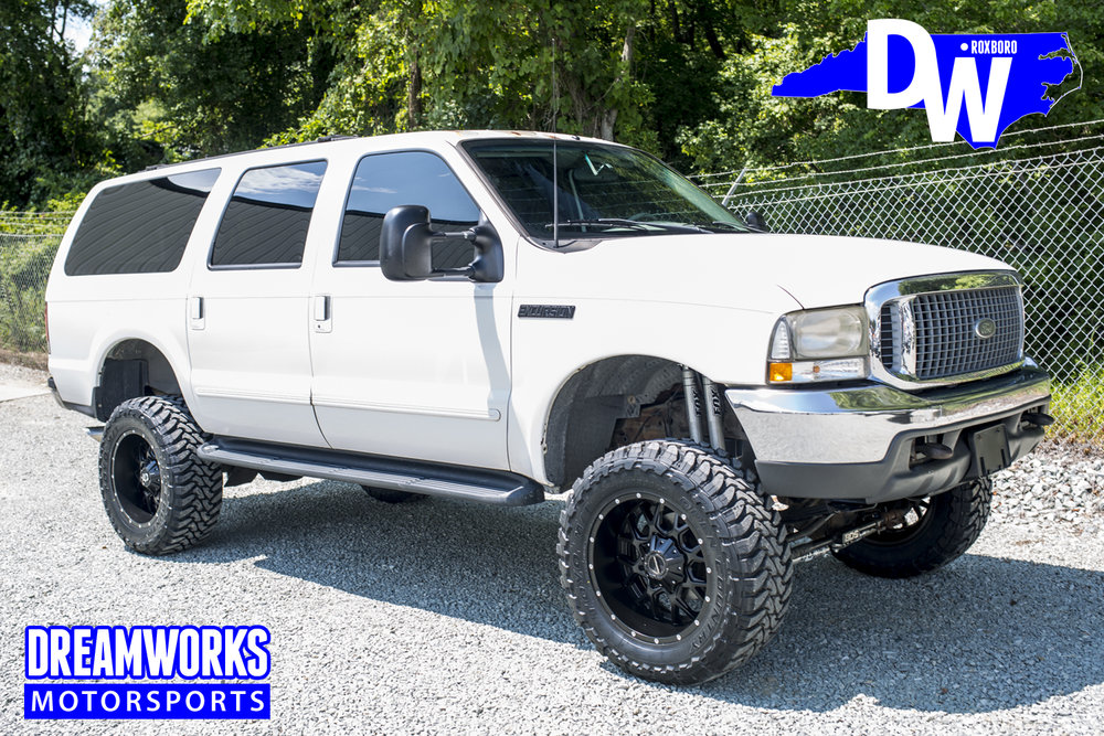 lifted-white-excursion-2_32095400500_o.jpg
