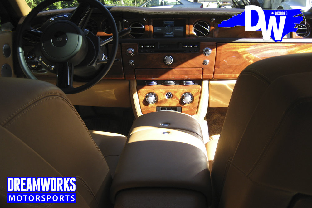 Rolls_Royce_Phantom_By_Dreamworks_Motorsports-10.jpg