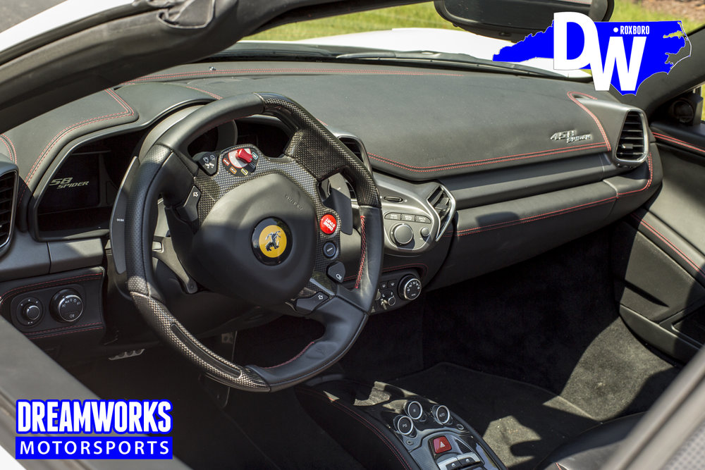 Ferrari_458_Spider_white_by_Dreamworks-Motorsports-interior-2.jpg