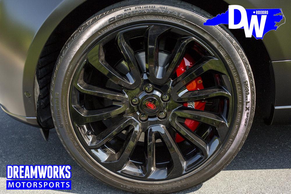 Satin-Black-Range-Rover-Dreamworks-Motorsports-wheel-2.jpg