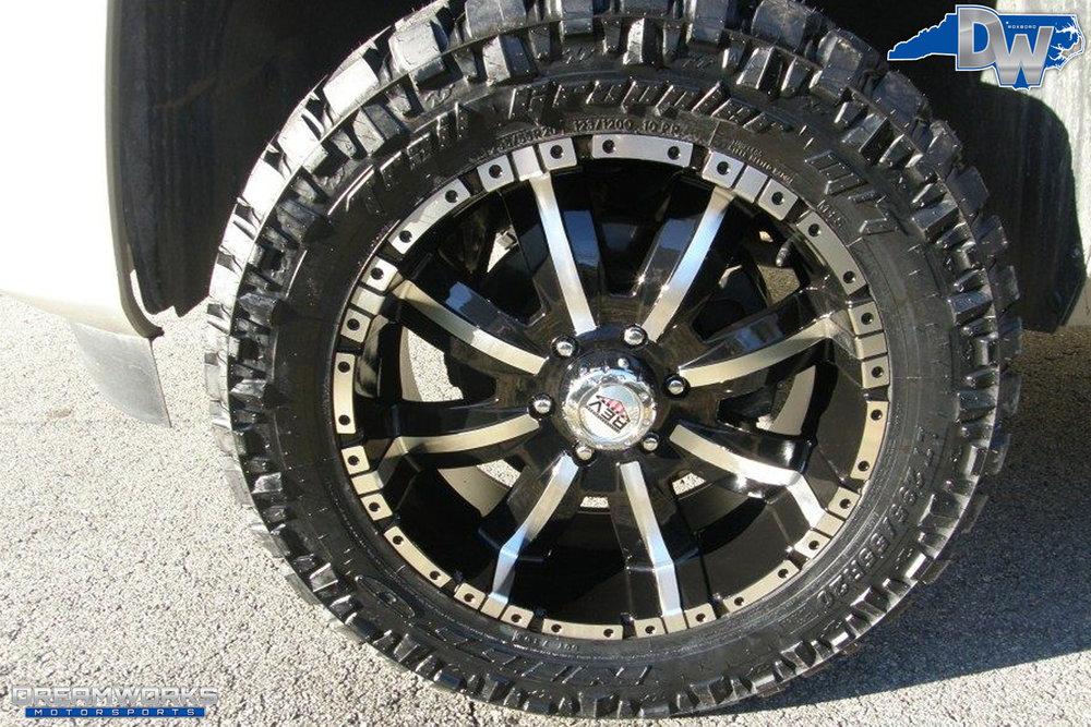 Chevrolet_Silverado_By_Dreamworks_Motorsports-2.jpg